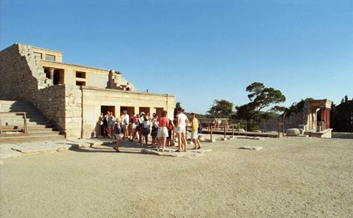 the throne room in Knossos