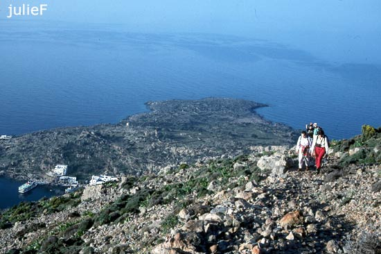 hiking at Loutro in Crete