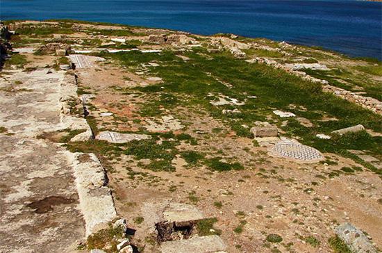 ερείπια στη χερσόνησο
