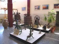 старое оборудование для производства вина