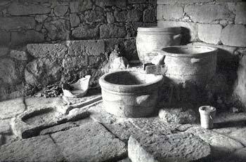 древний винный пресс